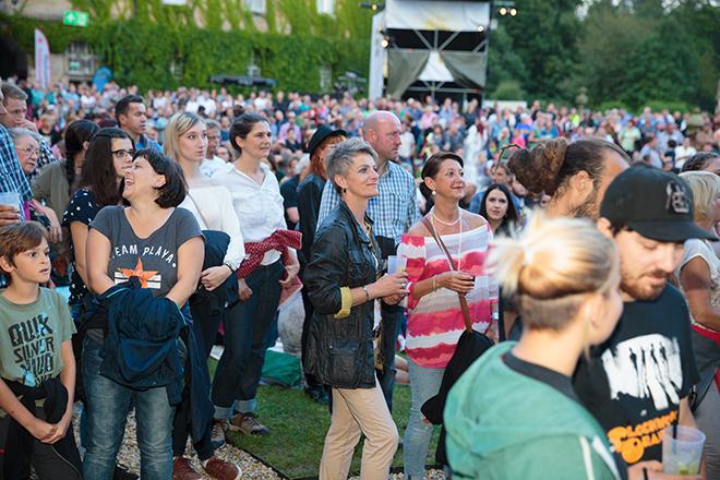 Publikum beim LaBrassBanda-Konzert